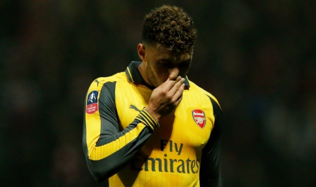 "Britain Football Soccer - Preston North End v Arsenal - FA Cup Third Round - Deepdale - 7/1/17 Arsenal's Alex Oxlade-Chamberlain looks dejected  Reuters / Andrew Yates Livepic EDITORIAL USE ONLY. No use with unauthorized audio, video, data, fixture lists, club/league logos or ""live"" services. Online in-match use limited to 45 images, no video emulation. No use in betting, games or single club/league/player publications.  Please contact your account representative for further details."